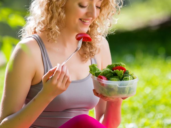 Dieting Tips To Reap Maximum Benefits From Yoga Practice